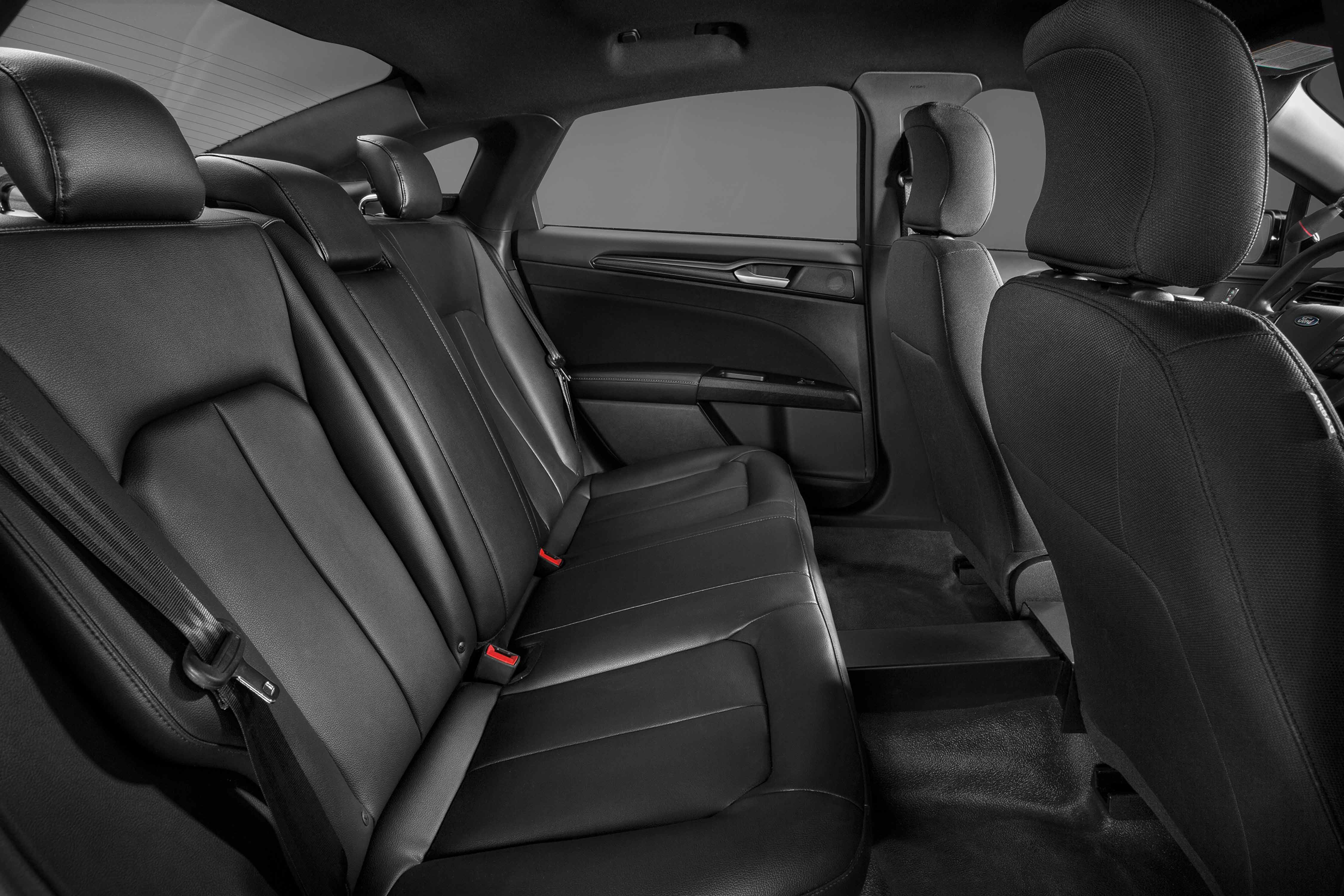 ford police responder hybrid sedan interior great lakes